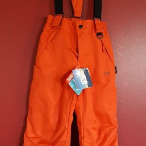 Brand new with tags,  boys snow pants.  Size 6.